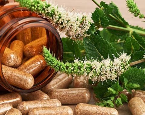 Càpsules d'herbes medicinals